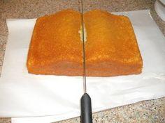 Purse cake made with book pan