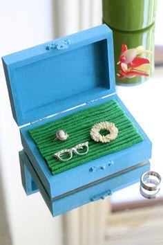 DIY: jewelry box with felt