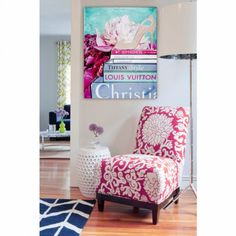 We are huge fans of the Oliver Gal Artist Company and their fine art as seen in this pic. Love how all the pieces fit together. #homedecor #wallart #lifestyle #popculture #haute #art #canvas #color