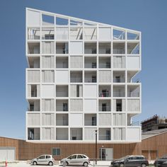 Image 1 of 50 from gallery of 30 Social Housing Units in Nantes / Antonini + Darmon Architectes. Photograph by Alexandre Wasilewski Arch Architecture, Residential Architecture, Amazing Architecture, Contemporary Architecture, Community Housing, Arch House, Social Housing, Facade Design, Modern Buildings