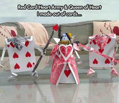cool-cards-Alice-queen-army