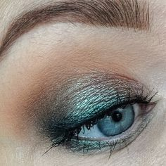 """EOTD using the Manny MUA x Makeup Geek Palette. #eotd #motd #bblogger #bbloggers #beautyblogger #skönhetsblogg #makeupgeek #makeupgeekcosmetics #mannymua733 #mannymua"" Photo taken by @camellissbeauty on Instagram, pinned via the InstaPin iOS App! http://www.instapinapp.com (04/03/2016)"