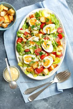 Salad with egg - Dobre jedzonko. Anti Pasta Salads, Pasta Salad Recipes, Healthy Salad Recipes, Soup Recipes, Chicken Recipes, Great Dinner Recipes, Plat Simple, Cheap Easy Meals, Slow Food