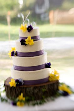 Cake time! Would work well for a yellow sunflower and wine wedding