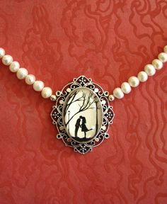 Pearls & locket for Kashka