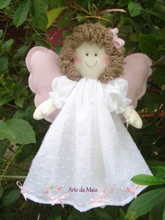 Rosemary Penha de Souza's 749 media content and analytics - Her Crochet Christmas Angel Ornaments, Nativity Ornaments, Christmas Cross, Angel Crafts, Clothespin Dolls, Secret Santa Gifts, Sewing Projects For Beginners, Fabric Dolls, Crochet Dolls