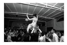 Aquí tenemos a una novia volando por los aires .... Boda: Nene & Patri www.javieromerodiaz.com-Wedding Photography