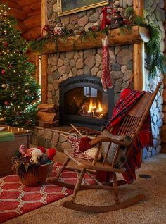 33 cute log cabin christmas decorations i love christmas pinterest log cabin christmas cabin christmas and log cabins