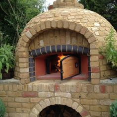 Loving the hot weather at last and my Jamie Oliver Wood Fired Oven - Tagines, Bread Baking, Pizzas, succulent steaks and fish!