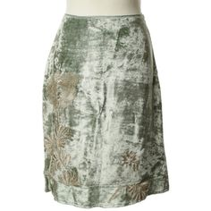 Pre-owned Silk skirt in mint/gold ($68) ❤ liked on Polyvore featuring skirts, green, mint green skirt, silk skirt, mint skirts, gold skirt and green skirt
