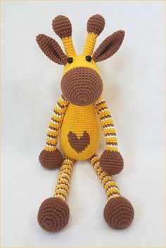 Free pattern for this cute crochet amigurumi giraffe. Try it!