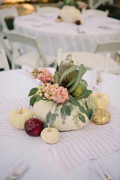 fall wedding decor ideas / http://www.himisspuff.com/fall-pumpkins-wedding-decor-ideas/7/