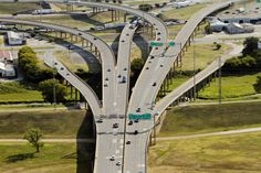 Early work has begun on the so-called Horseshoe project, a four-year, $800 million effort to replace and expand parts of Interstates 30 and 35E in and near downtown Dallas. But