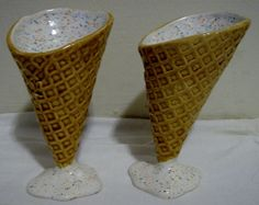 Madson Your mom needs these! Ice Cream Dishes, Hand Painted Ceramics, Yummy Yummy, Dreams, Random, Unique Jewelry, Tableware, Handmade Gifts, Vintage