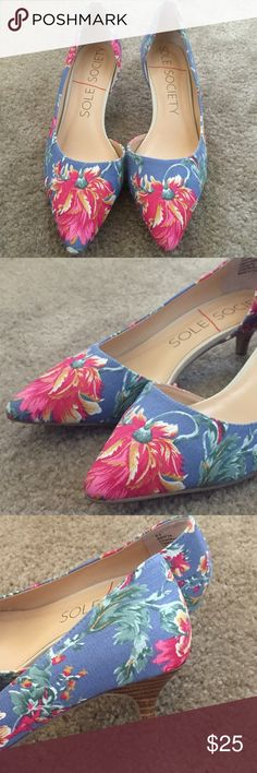 Sole Society Flora Kitten Heel Pump Brand New! Bought it on sole society website and didn't get the chance to wear it, it's a cute floral pump heel! Sole Society Shoes Heels