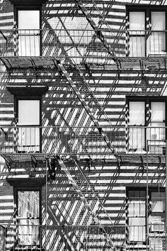 Fire Stairs Architecture New York City 24 Ideas Entryway Stairs, Rustic Stairs, Monochrome Photography, Urban Photography, Glass Lift, Black Stairs, Street Art News, Art Photography Portrait, Fire Escape