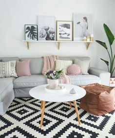 Can we talk about how pretty this living room is? Can we talk about how pretty this living room is? The post Can we talk about how pretty this living room is? appeared first on Wohnzimmer ideen. Living Room Grey, Small Living Rooms, Home Living Room, Living Room Designs, Living Room Decor, Apartment Living, Living Area, Modern Living, Blush Pink Living Room