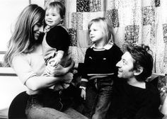 Jane Birkin's photographer daughter Kate Barry dies in Paris - hellomagazine.com