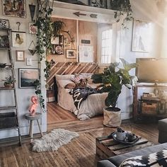 Home Interior Design — When you just want to live in a place you don't. Home Interior Design — When you just want to live in a place you don't. Interior Design Living Room, Living Room Decor, Bedroom Decor, Bedroom Ideas, Design Bedroom, Small Room Interior, Master Bedroom, Garden Bedroom, Bohemian Interior Design