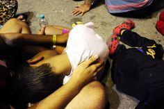Sur cette petite île grecque, à  côté des familles de touristes passant leurs vacances d'été et des familles locales qui préparent la rentrée des classes, le contraste avec les souffrances des enfants réfugiés est on ne peut plus frappant. http://www.amnesty.fr/Nos-campagnes/SOS-Europe/Actualites/Sur-ile-de-Kos-les-conditions-inhumaines-des-migrants-15961