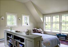 Interesting floating headboard bookcase combination.
