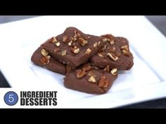 Easy Chocolate Fudge is a delicious no-bake slice that can be made in minutes with only a handful of ingredients - give it a go! ONE POT CHEF COOKBOOKS ON iT. One Pot Chef, 5 Ingredient Desserts, No Bake Slices, Easy Chocolate Fudge, Chef Cookbook, Chef Recipes, Food Videos, Sweet Tooth, Deserts