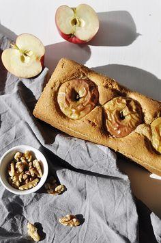 Bratapfelkuchen mit gefüllten Äpfeln