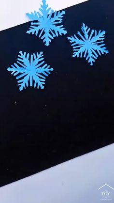 Diy Christmas Snowflakes, Christmas Paper Crafts, Diy Christmas Cards, Holiday Crafts, Paper Snowflakes, Paper Flowers Craft, Paper Crafts Origami, Paper Crafts For Kids, Diy Crafts Hacks