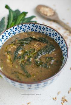 italian food meaning Raw Vegan Recipes, Veggie Recipes, Italian Recipes, Soup Recipes, Vegetarian Recipes, Healthy Recipes, Cavolo Nero Recipe, Food Meaning, Vegan Dishes