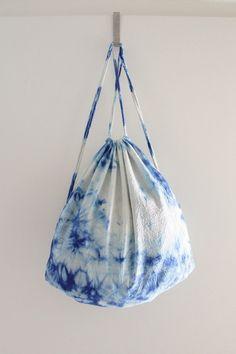 Jutebeutel - Batik-Baumwolltasche/Jutebeutel in blau-weiß - ein Designerstück von Snikabell bei DaWanda