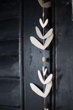 The Coziest Christmas Ever: 25 Hygge Christmas DIY Decoration Ideas christmas decorating ideas Hygge Christmas, Noel Christmas, Christmas Crafts, Xmas, Christmas Paper, Ceramic Christmas Decorations, Wooden Ornaments, Simple Christmas, Christmas Ideas