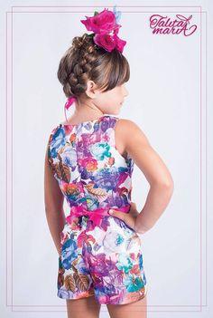 Coleção Cores e Amores de Frida Kahlo  O tecido floral perfeito com as cores mais lindas! Tudo isso em seda!! Modelagem acinturada e recortes sobrepostos! Acessório em fita de gorgurão acetinada, laço para todas as princesas! Disponível nos tamanhos 02/ 04/ 06 e 08 ! Entregas para todo Brasil! Maiores informações: www.facebook.com/aspequenasdivas www.facebook.com/talitamariamodainfantil