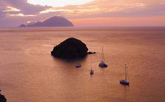 Alicudi & Filicudi - wild pearls of the Aeolian Islands