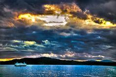 Bainbridge Island Ferry, Washington (by briburt) Bainbridge Island Ferry, Places To See, Places Ive Been, Pretty Pictures, Pretty Pics, Moving To Seattle, Island Beach, Washington State, Pacific Northwest