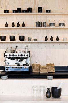 Sushi Tiger - Plywood // coffee machine
