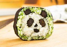 sushi en forma de panda en el centro