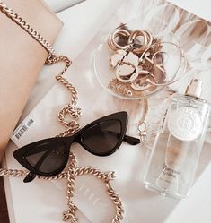Image discovered by 𝑒𝓂𝓂𝒶. Find images and videos about jewelry, sung… Image discovered by 𝑒𝓂𝓂𝒶. Find images and videos about jewelry, sunglasses and jewellery on [. Cream Aesthetic, Boujee Aesthetic, Aesthetic Collage, Aesthetic Vintage, Aesthetic Photo, Aesthetic Pictures, Aesthetic Fashion, Rose Gold Aesthetic, Mode Poster