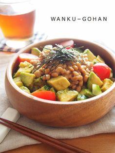 【葉酸摂取!!】納豆アボカド丼   わんくの妊婦・母乳ごはん Diet For Pregnant Women, Kung Pao Chicken, Junk Food, Japanese Food, Guacamole, Beans, Cooking Recipes, Vegetables, Healthy