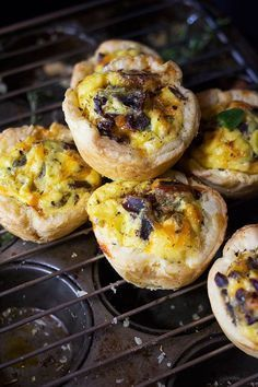 Biltong and Cheese Quiche Puffs. These Biltong and Cheese Quiche Puffs are simple and super easy to make an ideal snack for the kids while they're enjoying their holiday. Quiche Recipes, Brunch Recipes, Cake Recipes, Catering Recipes, One Bowl Vanilla Cake Recipe, Beef And Mushroom Pie, Kitchen Recipes, Cooking Recipes, Diabetic Recipes