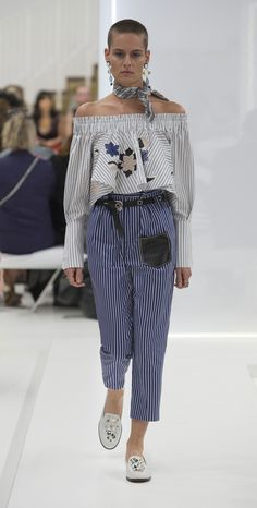 One of the looks from the Tod's Women's SS16 Collection. Find out more at tods.com #todsband #tods #ss16 #mfw #fashionweek #milan