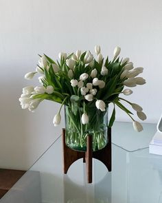White Flowers, Beautiful Flowers, Flower Aesthetic, Green Life, My Flower, Decoration, Planting Flowers, Floral Arrangements, Floral Design