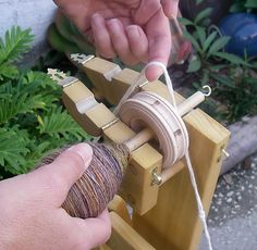 DIY spinning wheel. Ravelry: agateandaqua's Dodec Spinning Wheel (modified!!)