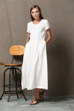 A white linen dress is considered one of the most versatile garments a woman can own. Because of its modest and simple styling, it can be worn everyday or dressed up for an evening affair. As people care more and more about dress comfort, linen fabric gradually pops up among all the possible materials. Anyone who has experienced the coolness of this wonderful fabric would never want to drop it off anymore. Let white linen dress give you a helping hand! It cannot only make you feel…