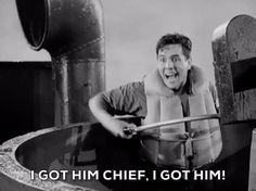 Trending GIF warner archive 1942 desi arnaz the navy comes through pat o'brien i got him chief Clover App, Lucille Ball Desi Arnaz, I Love Lucy, Got Him, New Trends, Sports And Politics, Hilarious, Funny Gifs, Tv Series