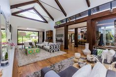 5 Bedroom House for sale in Constantia - 44 Pagasvlei Road - P24-106040213