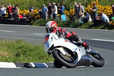 Electric Bikes Get Up to Speed at Isle of Man TT