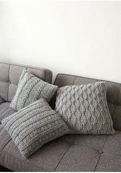Lana Grossa Kissenhülle SUPERBINGO - FILATI Handstrick No. 42 (Home) - Modell 3 patterns afghan patterns crochet patterns afghan scarf blanket Green Pillows, Diy Pillows, Decorative Pillows, Cushions, Throw Pillows, Pillow Ideas, Bingo, Decoration Chic, Knit Pillow