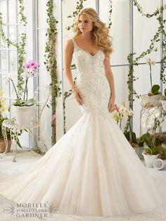 Sierra #Fishtail #MoriLee #Sierra #Plymouth #Exeter #Devon #Cornwall #weddingdress #bride #DressingYourDreams