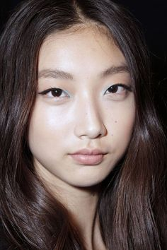 nice eyeliner Match Your Makeup To Your Mood: Here's How #refinery29