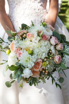 Photography: Allison Richter - www.studio28photo.com Read More: http://www.stylemepretty.com/california-weddings/2015/05/14/elegant-santa-barbara-mansion-wedding/